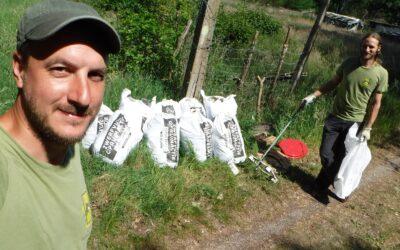 Vrijwilligers rapen massa zwerfvuil op Brelaarheide